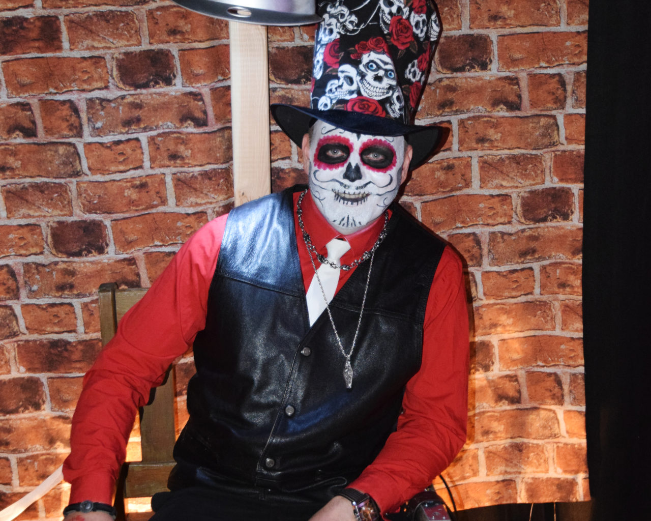 Dunkle Gestalten zu Halloween beim Gehrener Unterholz